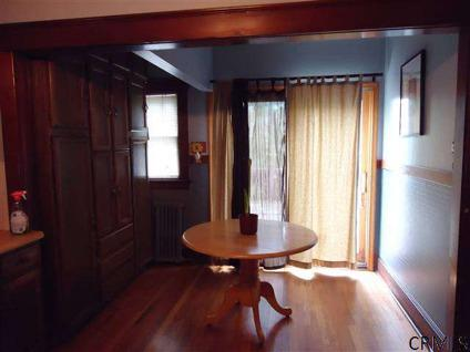 $132,000 Albany 2BR 1BA, Within WALKING DISTANCE TO THE NEW SHOPRITE