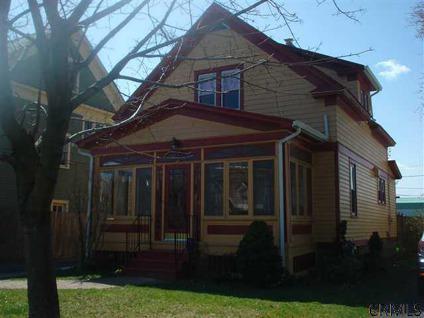 $164,900 Single Family, Bungalow - Albany, NY