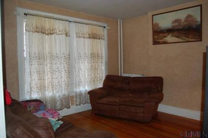 $166,000 Albany, Convenient location for an investment opportunity or