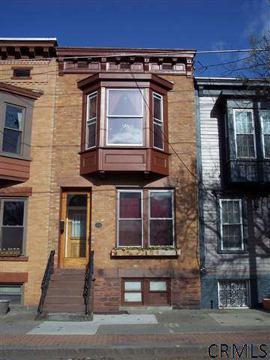 $189,900 Single Family, Townhouse - Albany, NY