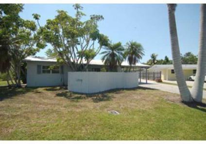 $199,000 Naples, SHORT SALE - Gulf Access, 2 Bedroom