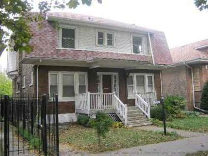 $282,450 1750 W Thorndale Ave - 3br