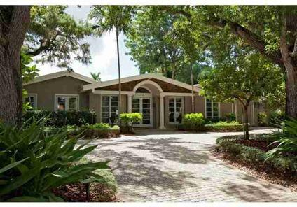 $3,495,000 Naples 4BR 4.5BA, Just three houses from the Gulf on a