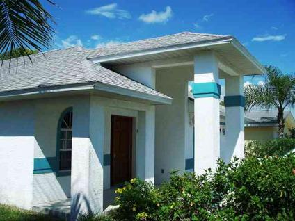 $525,000 Naples, A lovely and well maintained 3 bedroom 2 bath home