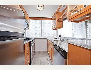 $745,000 Fabulous One Bedroom with with Balcony in Upper East Side