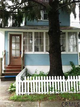 $89,900 Single Family, Bungalow - Albany, NY