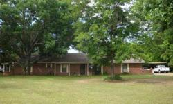 Great value for your dollar! One owner four beds, 2 bathrooms, 2 living areas, 2600+sf; all on .5 acre in mineola. Karen Bass has this 4 bedrooms / 2 bathroom property available at 4175 N US Highway 69 in Mineola for $128425.00. Please call (903) 571-2486