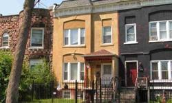 Very nice/up-to-date townhouse style house. Features