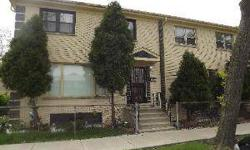 APPROVED SHORT-SALE AT $150,000 AND CAN BE CLOSED IN 30 DAYS. NO LONG WAITING. WELL KEPT AND IN A MOVE-IN CONDITION CORNER TOWNHOME. SPACIOUS 3BR 2.1 BA HOME. FULL FINISHED BASEMENT HAS A FULL BERROOM AND A FULL BATH. HDWD FLRS IN LV AND DR AND CEREMIC