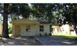 Quaint 2 beds, one bathrooms. Cute little community in the heart of Ocala. Close to 1-75 for commuting. Small but perfectly formed! Spacious full bathroom and living room, also features an indoor washer-dryer area. Concrete block and stucco.Ocala Marion
