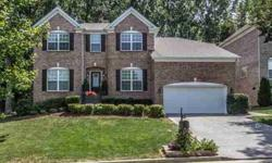Beautifully upgraded home on a gorgeous and private wooded lot! Paula Hinegardner is showing this 4 bedrooms / 2.5 bathroom property in Brentwood. Call (615) 615-1330 to arrange a viewing.