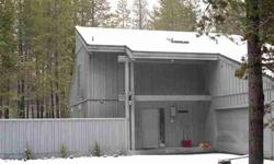 Great furnished sunriver vacation or primary home on the meadows golf course. Diane Lozito has this 3 bedrooms / 2 bathroom property available at 2 Oakmont Ln Sunriver in Sunriver, OR for $389000.00. Please call (541) 548-3598 to arrange a viewing.Listing