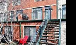 High End South Loop Townhouse, 3 levels of bright, sunny & spacious living in a private gated community. Open floor plan, hardwood floors, gas fpl, granite mantle, large den that can be converted to 4th br, 700 sq/ft larger than the nearest comp, close to