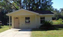 Quaint 2 beds, one bathrooms. Cute little community in the heart of Ocala. Close to 1-75 for commuting. Small but perfectly formed! Spacious full bathroom and living room, also features an indoor laundry area. Concrete block and stucco.Ocala Marion County