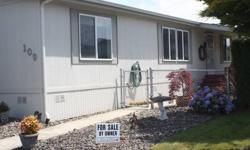 *Located at Heron Pointe Community in Longview, Washington**1998 Marlette 3 Bedroom/2 Bath- Just under 1500sq ft.This Manufactured home features