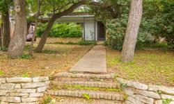 This property offers a great location on the edge of Tarrytown. You will have quick, easy access to downtown restaurants, businesses, and events. The hike and bike trail is a short distance away giving you complete access to jogging, biking, rowing, and