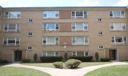 Wonderful 2 beds, one baths condominium unit. This unit features large living room with wood flooring. Helen Oliveri has this 2 bedrooms / 1 bathroom property available at 6104 N Damen Ave 1 in Chicago, IL for $48500.00.Listing originally posted at http