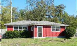 Cute home that has been newly updated and shows great. MARK CASH is showing this 2 bedrooms / 1 bathroom property in Livingston. Call (936) 967-0379 to arrange a viewing.