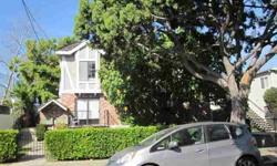 2Bed/3Bath beautiful two level Townhouse Corner Unit in Santa Mpnica.Near to Santa Monica College. Covenient to access to freeway and close to Santa Monica Beach. Side by side 2 car parking space. Lot of restaurants in the convenient area. Sunroof and lot