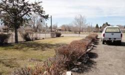 11 Unit motel and 10 unit RV park, fully furnished and updated rooms, with new carpet, paint, and furnishings. Additional onsite 2 bedroom Managers unit with full kitchen and bath. Price includes resurfacing the parking lot and refurbishing the