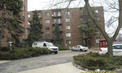 FORECLOSED UNIT BRIGHT UNIT AWAITING NEW OWNERS. STORAGE ANDLAUNDRY ON THE SAME FLOOR CONVENIENTLY LOCATED ACROSS FROMFOREST PRESERVE.This property is eligible under the FreddieMac First Look Initiative through 04/11/2012 OWNER OCCUPIEDBUYERS ONLY THRU