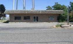 THIS 1536 SQ FT BLOCK BUILDING IS CENTRALLY LOCATED FOR NEW ENDEAVOR. 2 ROOMS - 2 BATHROOMS. GRAVEL PARKING - LARGE WINDOWS ACROSS THE FRONT. GAS HEATING.Listing originally posted at http